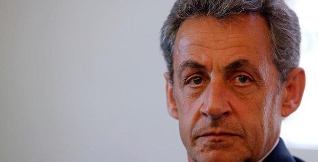 Sarkozy amende la procedure de la primaire et herisse ses rivaux