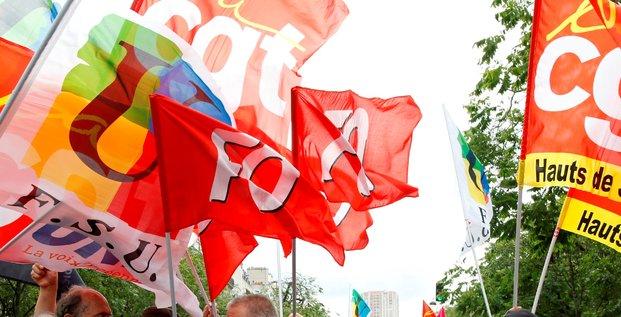 La droite demande la creation d'une commission d'enquete sur les syndicats