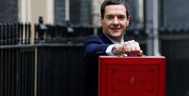 George osborne annonce des baisses d'impots pour les pme britanniques
