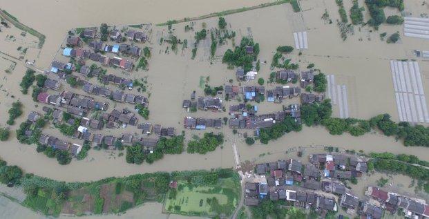 Une centaine de morts dans les inondations en chine