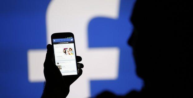 1 milliard de dollars reclame a facebook pour complicite avec le hamas