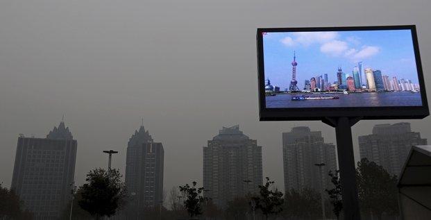 Chine, pollution, Shanghai, écran télévision, air pollué, villes, smart city,