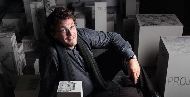 Vincent Kaufmann, Professeur et directeur du Laboratoire de sociologie urbaine (LaSUR) à l'École polytechnique fédérale de Lausanne