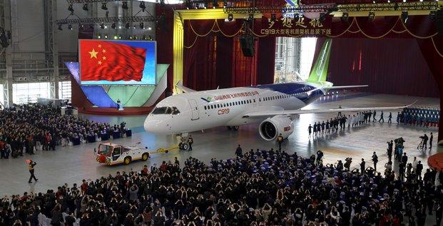 C919 Comac premier avion de ligne chinois sort d'usine 2015.11.02
