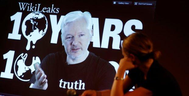 Julian assange promet des revelations sur les elections americaines