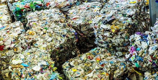Déchets en papier, recyclage, déchetterie,