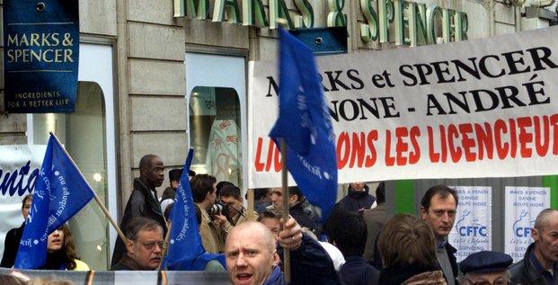 Marks and Spencer, 2001, fermeture des magasins, alimentation, vêtements, licenciements, emploi, grève,