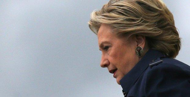 Le qg de campagne d'hillary clinton evacue apres la decouverte d'une substance blanche dans une enveloppe
