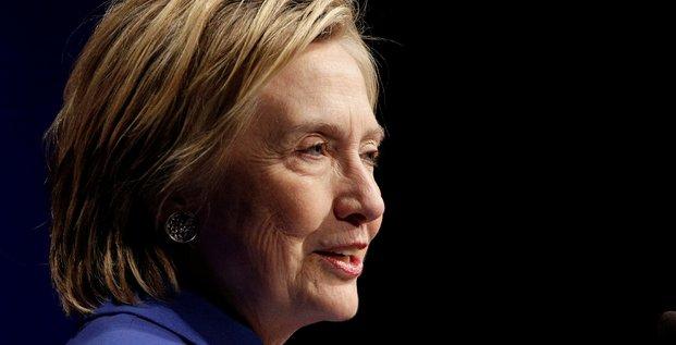 Hillary clinton appelle a reprendre le combat pour une amerique plus genereuse