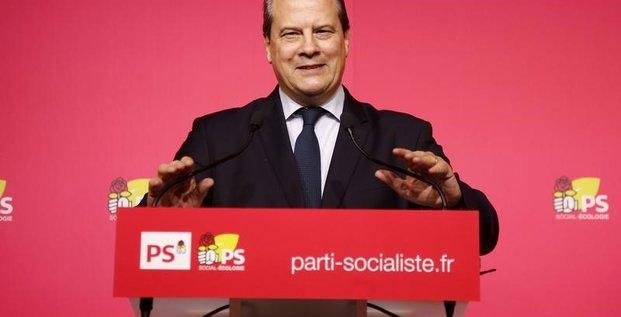 Cambadelis appelle macron a participer a la primaire de la gauche