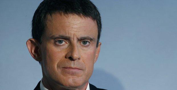 Valls denonce la revolution conservatrice preparee a droite