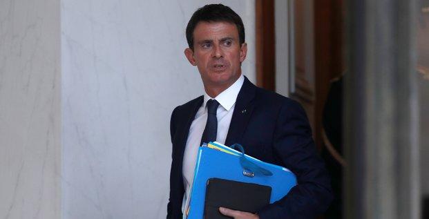 Valls en pole position si hollande ne se represente pas, selon un sondage