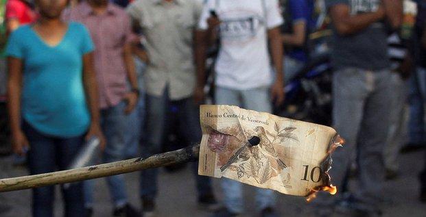 Pillages et violences au Venezuela après le retrait des billets de 100 bolivars