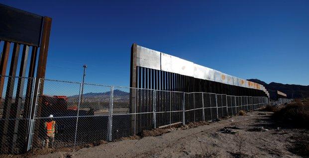 Trump engage la construction du mur entre les usa et le mexique