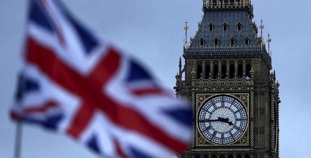 Le parlement britannique rejette l'abandon du projet de loi sur le brexit