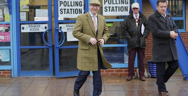Deux elections legislatives partielles cruciales en angleterre