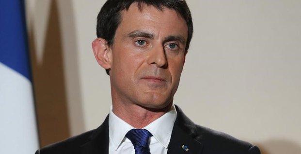 Valls s'appreterait a appeler a voter macron