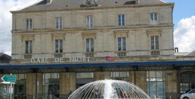 La gare de Niort (Deux-Sèvres), où sera aménagé un espace partagé pour accueillir des entreprises.