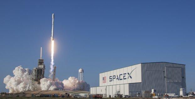 Space X Falcon 9 Elon Musk SES satellite de télécoms SES-10