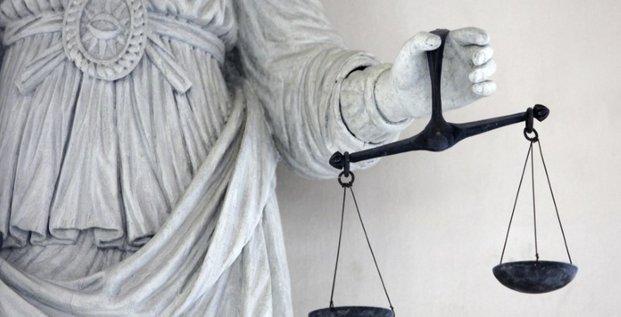 A nantes, la justice donne tort aux eboueurs en greve