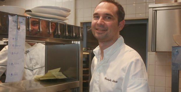 C. Schmitt est passé précédemment par le restaurant étoilé de l'Hôtel Fouquet's Barrière
