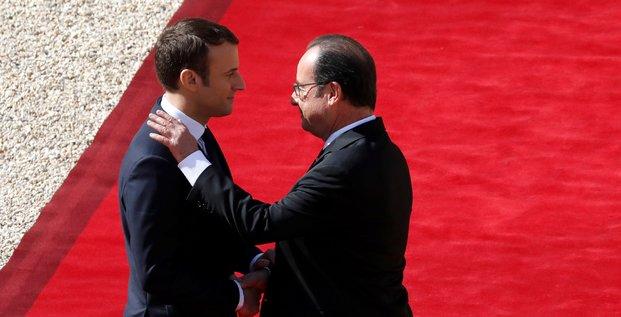 Hollande lui souhaite bon courage