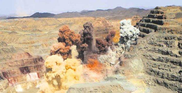 mine minier explosion forage exploitation matières premières