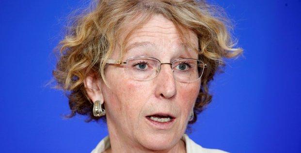 La ministre du travail attenue sa plainte sur les fuites