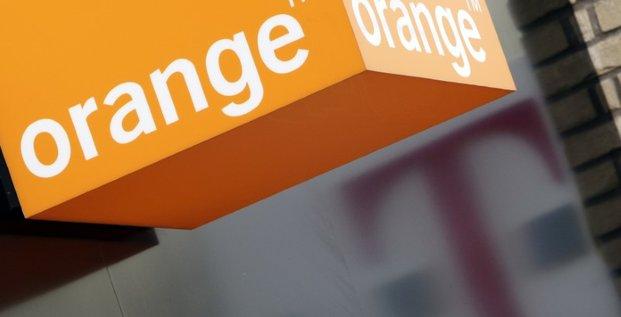 Orange reduit sa participation dans le britannique bt
