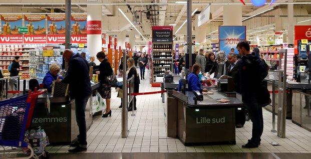 Carrefour en hausse a la mi-seance de la bourse de paris