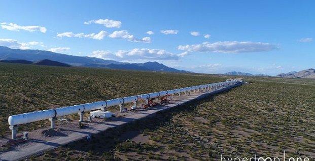 Le tube de 500 mètres de l'Hyperloop One, situé en Arizona.