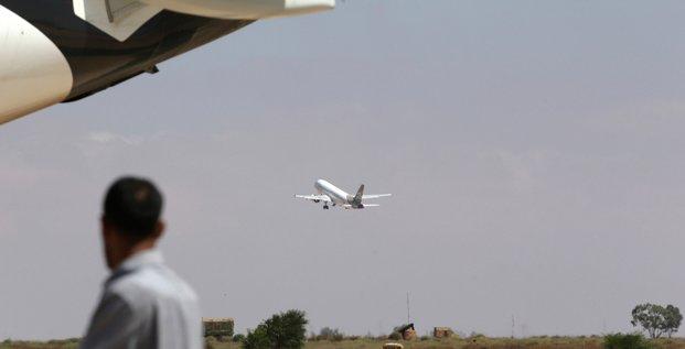Avion décollage benghazi aéroport