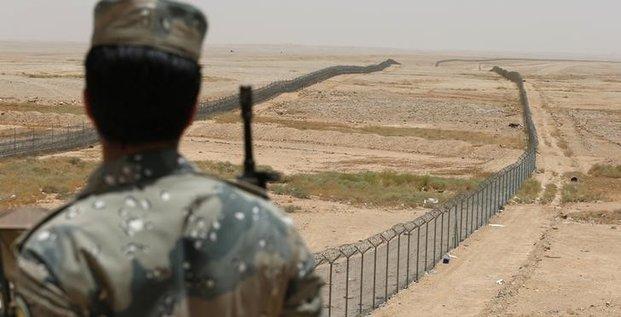 Reouverture d'un poste frontiere entre l'arabie saoudite et l'irak