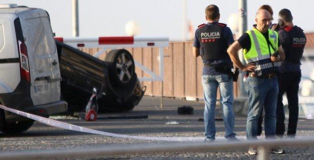 Cambrils, attentat, Espagne, Barcelone, police catalane, assaillants tués,