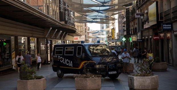 Barcelone: la police travaille sur l'hypothese de 12 suspects