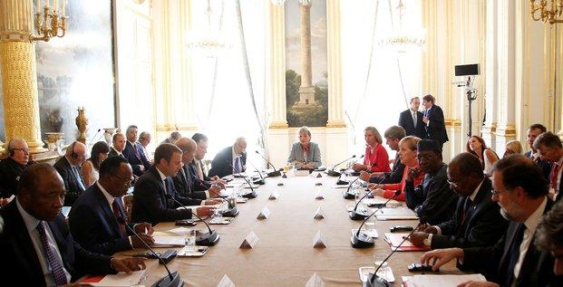 Sommet UE Afrique Emmanuel Macron migrations migrants flux migratoires