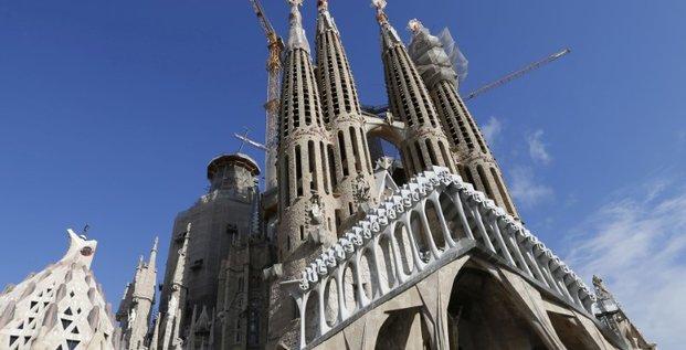 La police interdit l'acces a la sagrada familia a barcelone