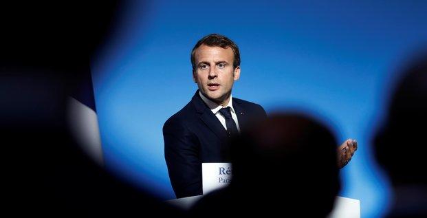 Macron a saint-martin pour reconstruire et faire taire la polemique