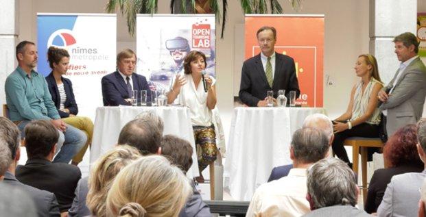 Carole Delga, présidente de Région, entourée d'Yvan Lachaud (Nîmes Métropole) et d'Alain Penchinat (Les Villégiales), expliquent le partenariat public-privé au coeur du projet