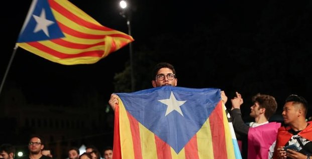 Referendum catalan: barcelone tient tete a madrid, malgre les heurts