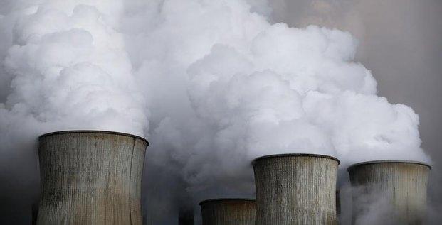 RWE, centrales à charbon, Niederaussem, Allemagne, électricité, énergies fossiles, cheminée, vapeur, pollution, écologie,