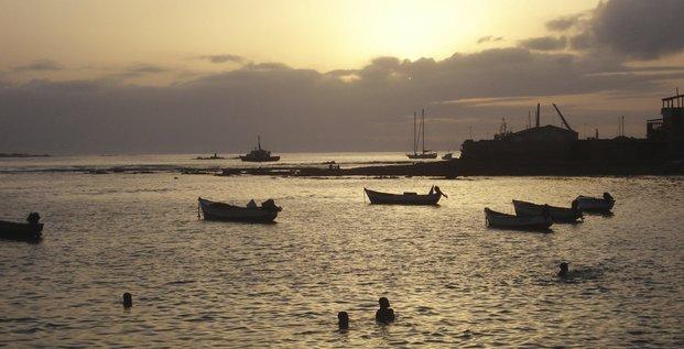 Cap-Vert Cap vert cabo verde cape port mer océan barques pêche navires