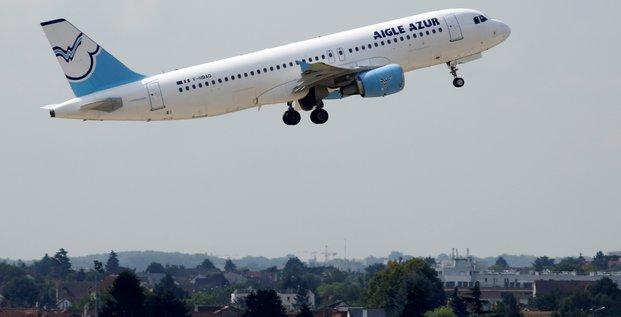 Avion Aigle Azur au décollage en 2016