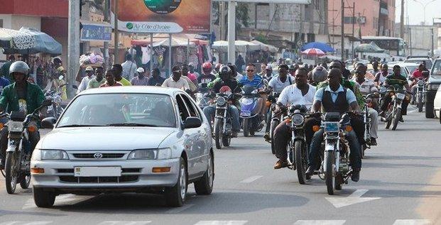 Lomé Togo Circulation trafic ville urbain motos
