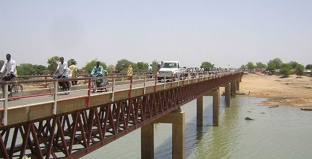 Pont N'Gueli fleuve Logone Cameroun