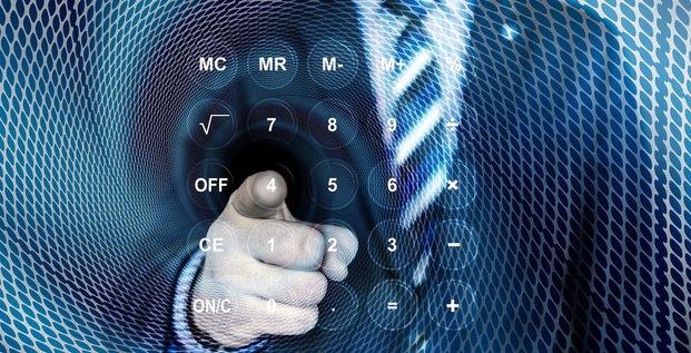 Taxes concept impôt calcul paiement