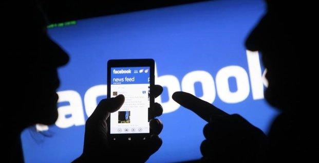 Facebook: les pubs liees a moscou vues par 10 millions d'americains