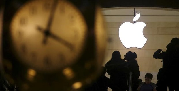Italie/smartphones: enquete ouverte sur apple et samsung