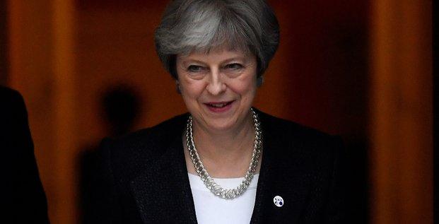 Fragilisee par le brexit, theresa may redit qu'elle ne renoncera pas