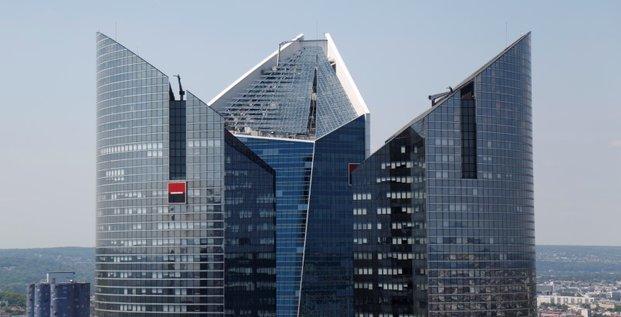 Socgen en discussions exclusives pour la division emc de commerzbank
